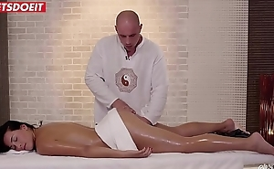 LETSDOEIT - Brunette Baby Gets Happy-End Rub-down Between Holidays (Ana Rose)