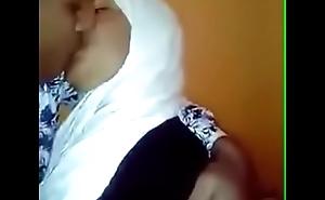 قحبة مغربية محجبة مع فحل ليبي الفيديو كامل في هدا الرابط https://dai.ly/x6d99t4