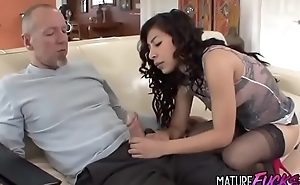 Youthful Latina Girl drilled by paterfamilias  www.porndealing.com