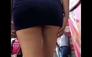 Rica minifalda - upskirt