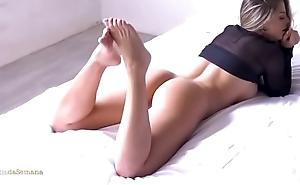 Lindas Garotas Exibindo seus Corpos Esculturais , Sensuais e suas Bucetas e Bundas Maravilhosas. Parte 2
